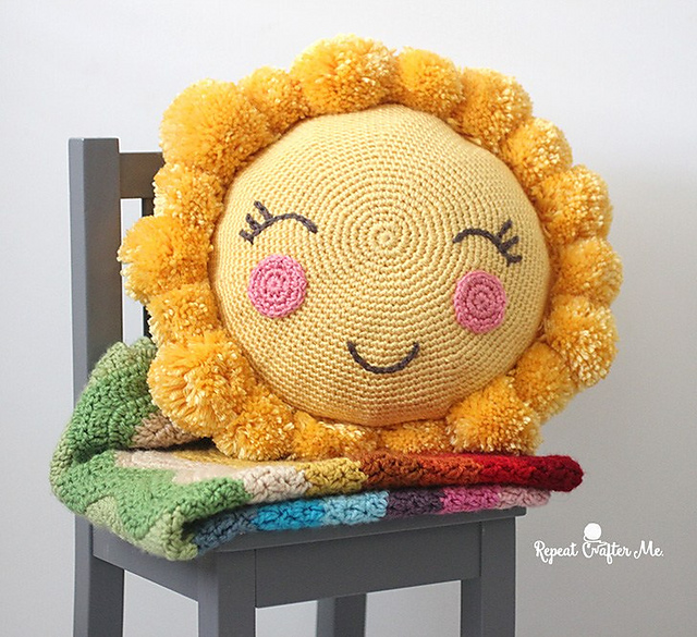 2f1e3413f8c7e PomPom Sunshine Pillow Free Crochet Pattern