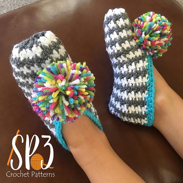 Comfy Houndstooth Slippers Free Crochet Pattern Free Crochet Patterns